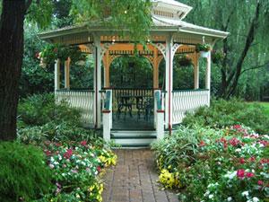 ガゼボは、西洋庭園のあずまや